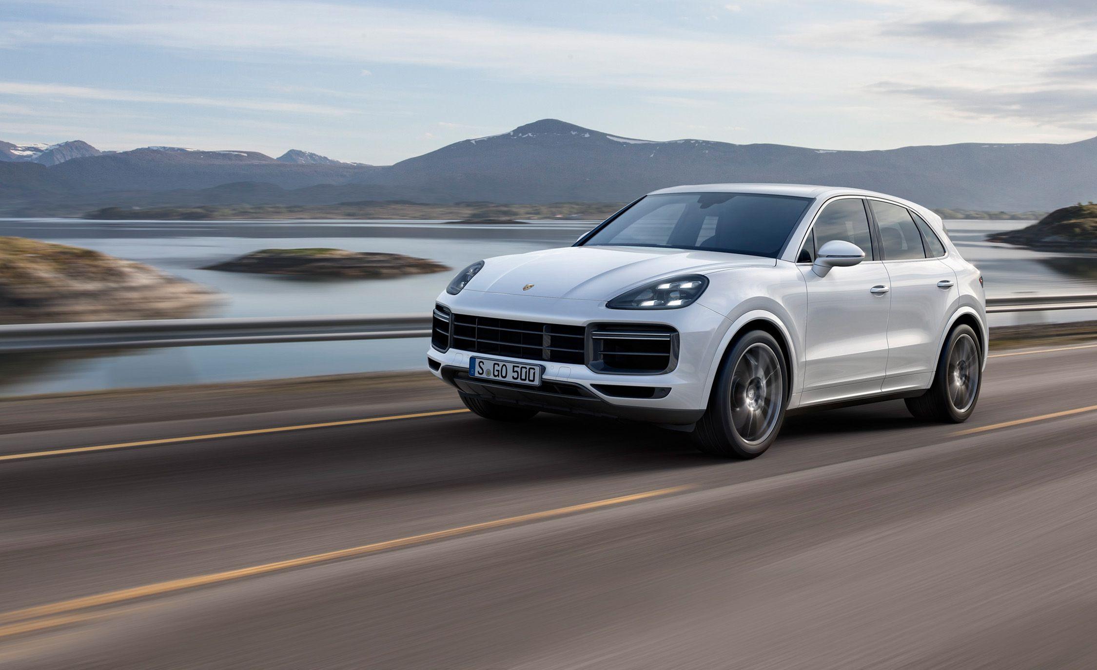 2019 Porsche Cayenne Turbo: A Tall Glass of Speedy Utility