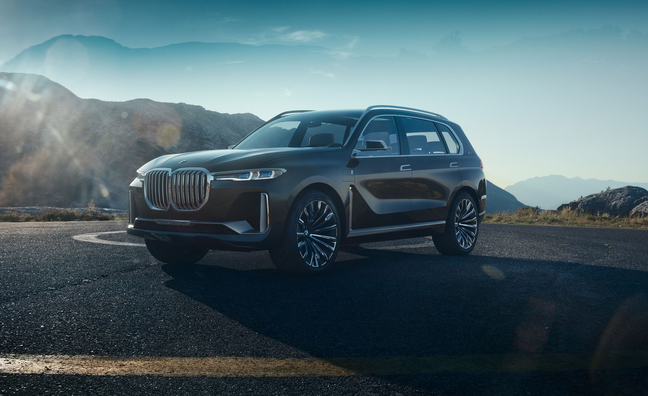bmw concept x7 iperformance photos and info | news | car and driver