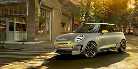 Mini Electric Concept Photos And Info News Car And Driver