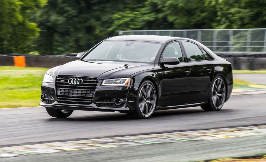 Lightning Lap 2017: Audi S8 Plus