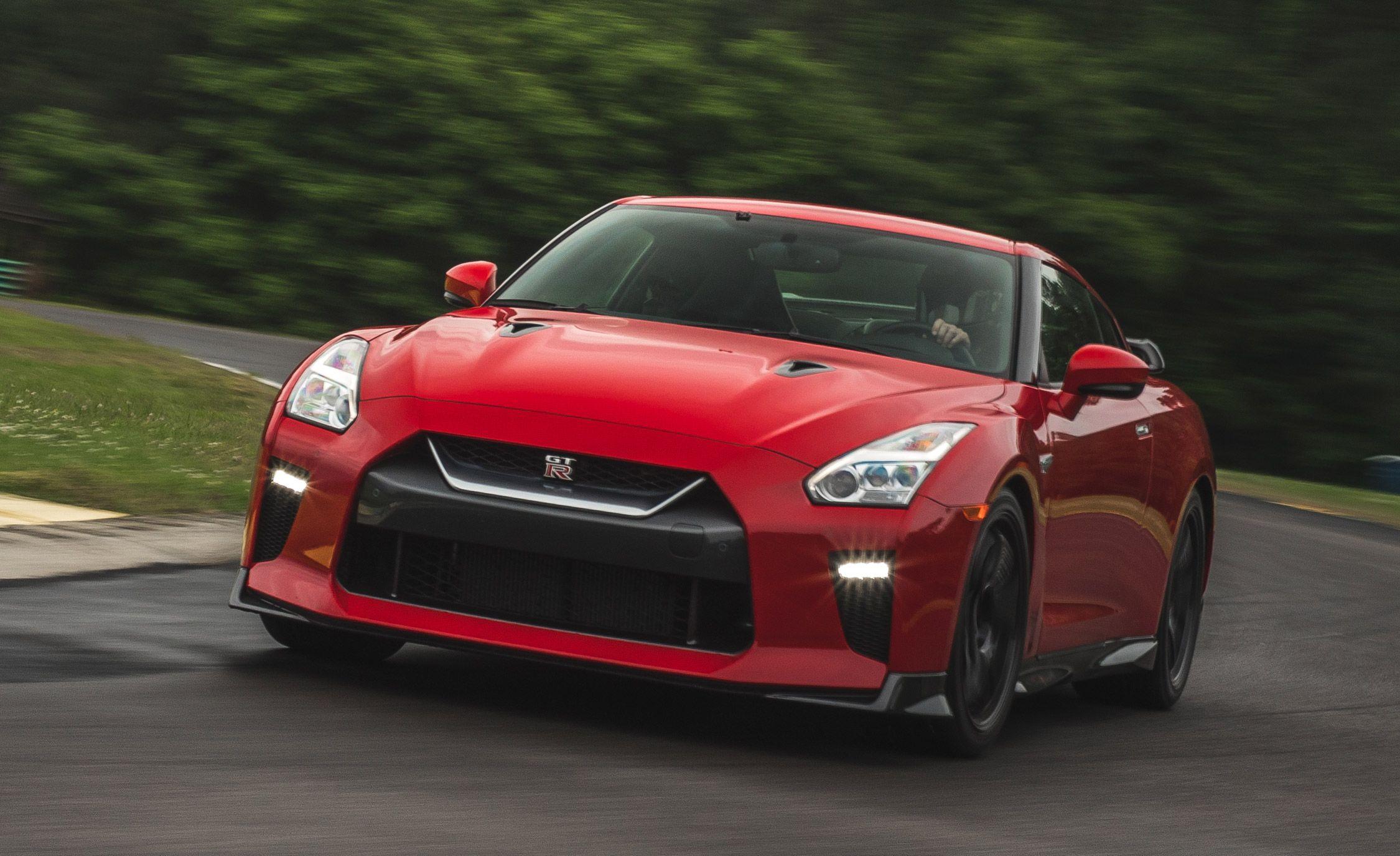 Lightning Lap 2017: Nissan GT-R Track Edition