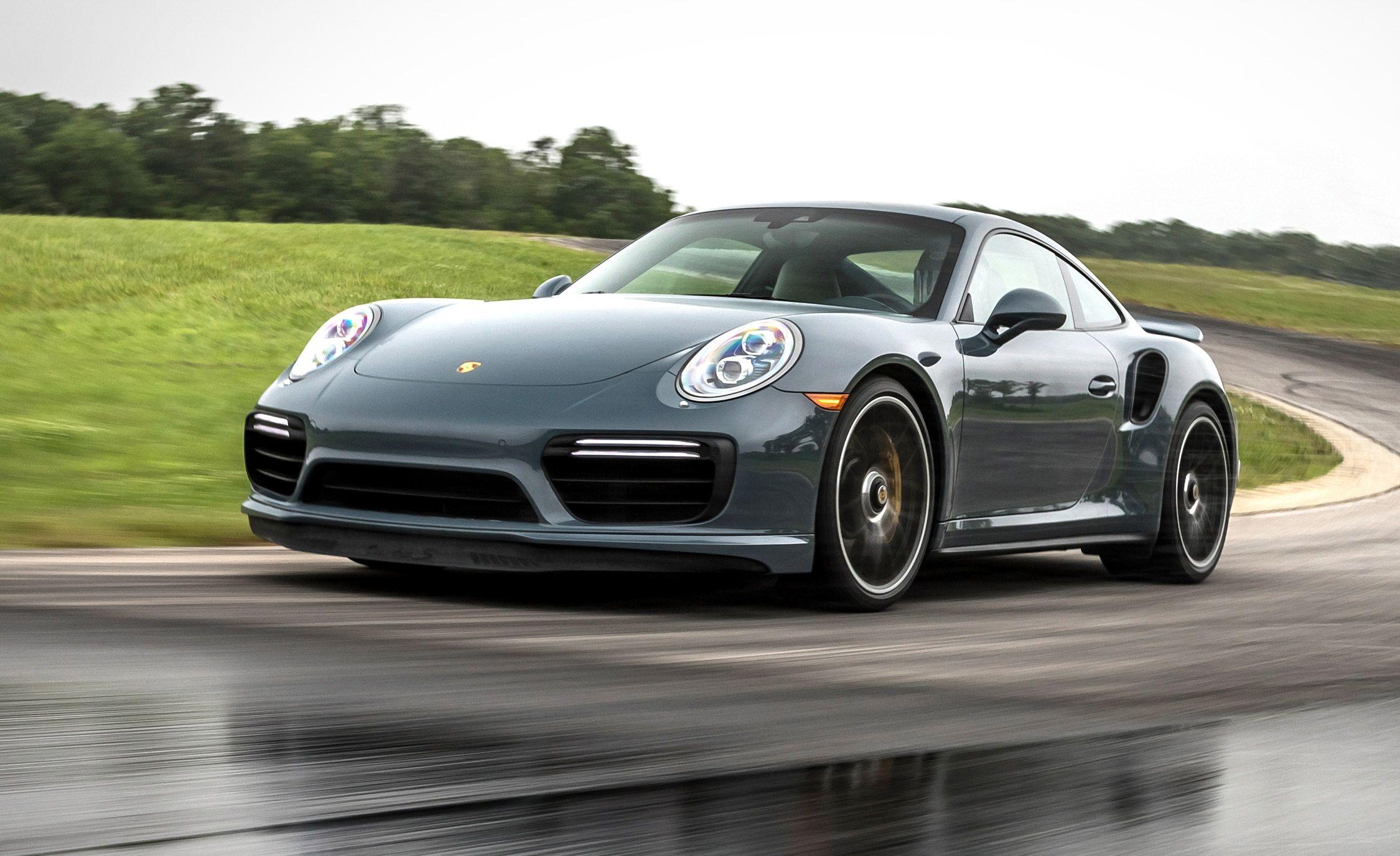Lightning Lap 2017: Porsche 911 Turbo S