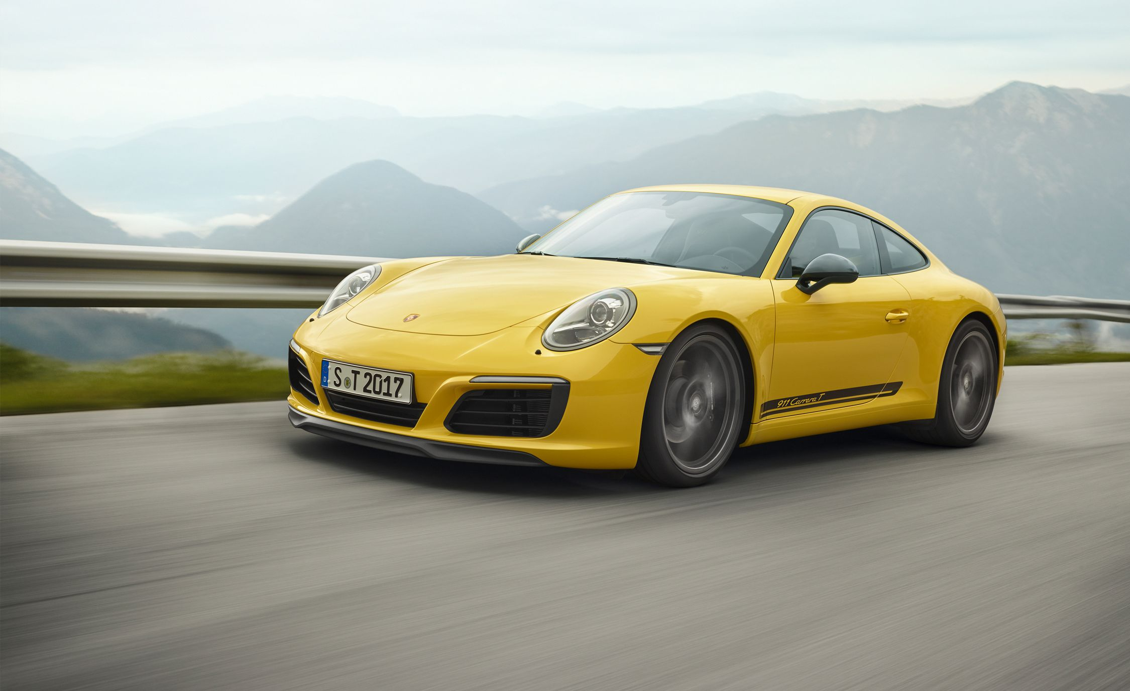 2018 Porsche 911 Carrera T: The Purist's Base Model