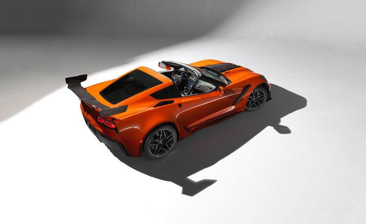 2019 Chevrolet Corvette ZR1: The 755-HP Front-Engined Vette to End All Front-Engined Vettes