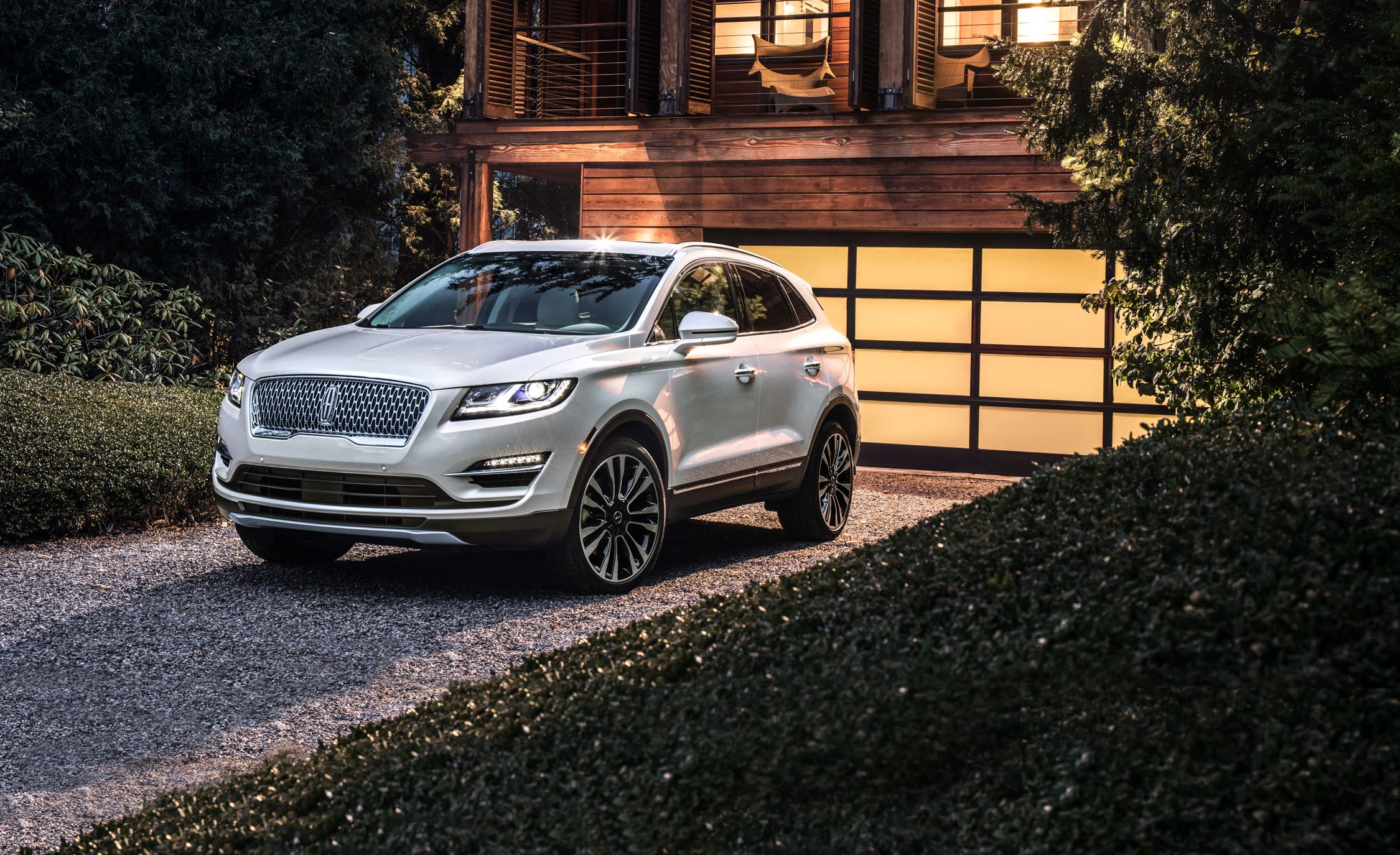 2019 Lincoln MKC Updated with a New Face and Tech | News ...