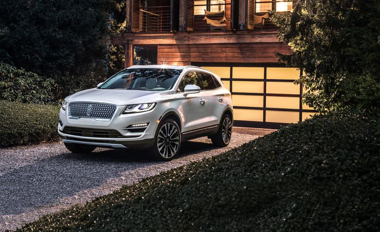 2019 Lincoln MKC Navigates to a New Nose
