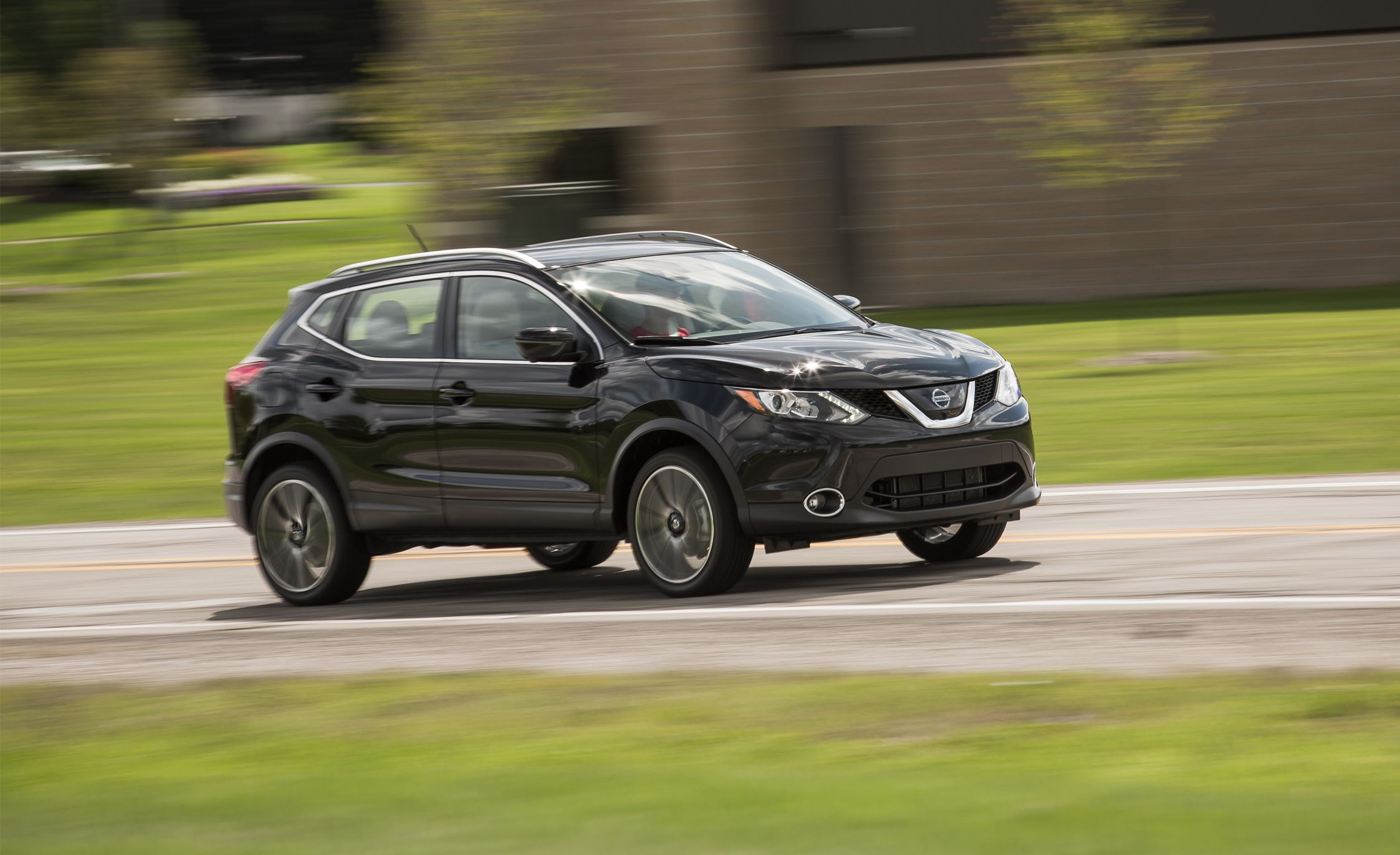 2019 Nissan Rogue Sport Reviews Nissan Rogue Sport Price Photos