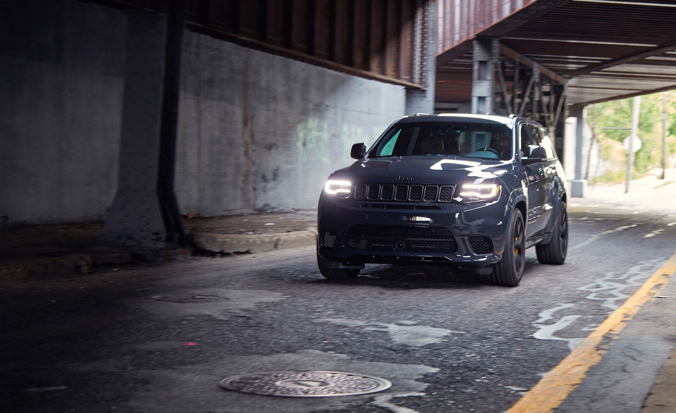 Track Hawk Grand Cherokee >> 2018 Jeep Grand Cherokee Trackhawk Full Test Review Car And Driver
