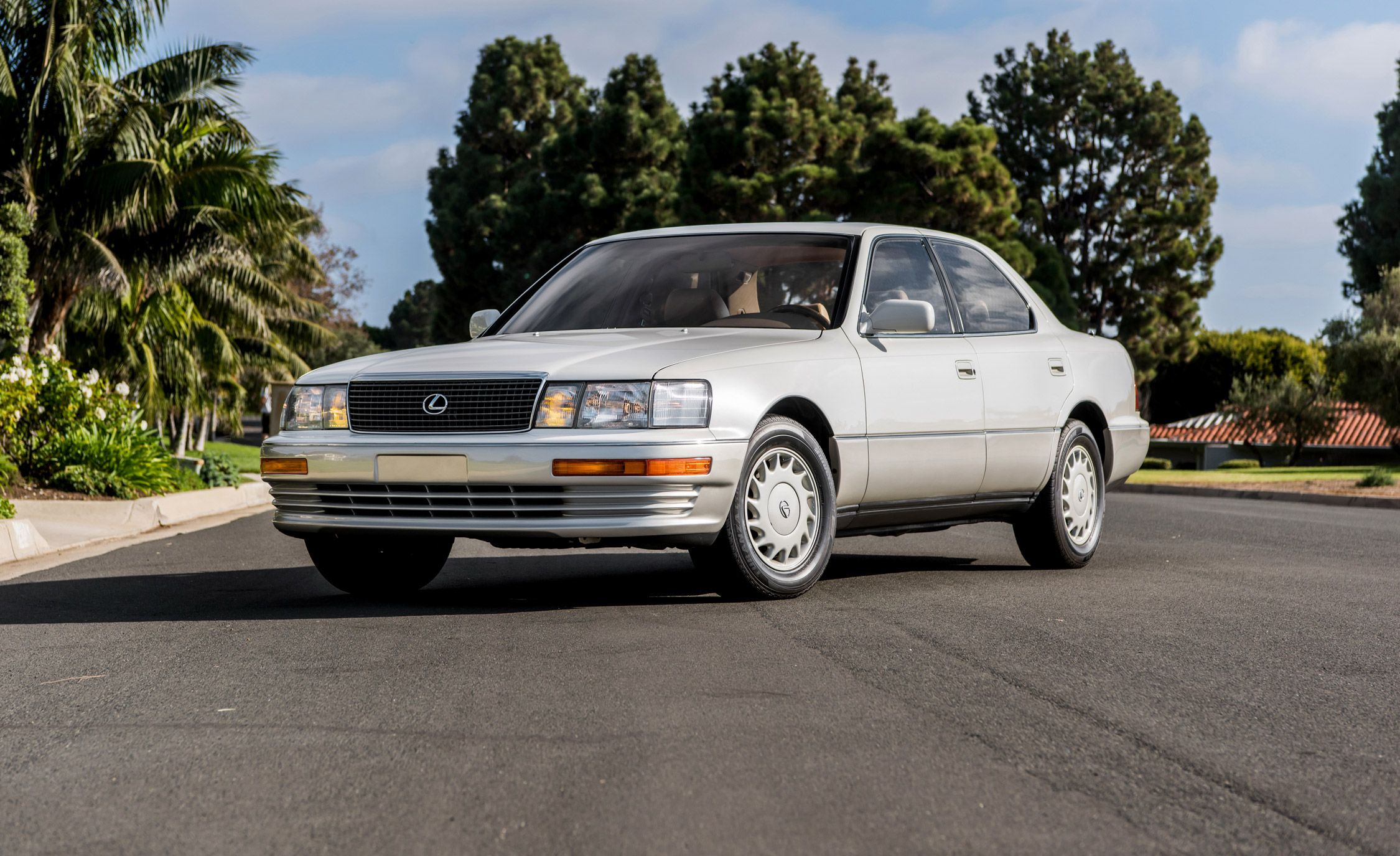 luxury car japan  Luxury, Japan Style: Revisiting the Original Lexus LS400 | Feature ...