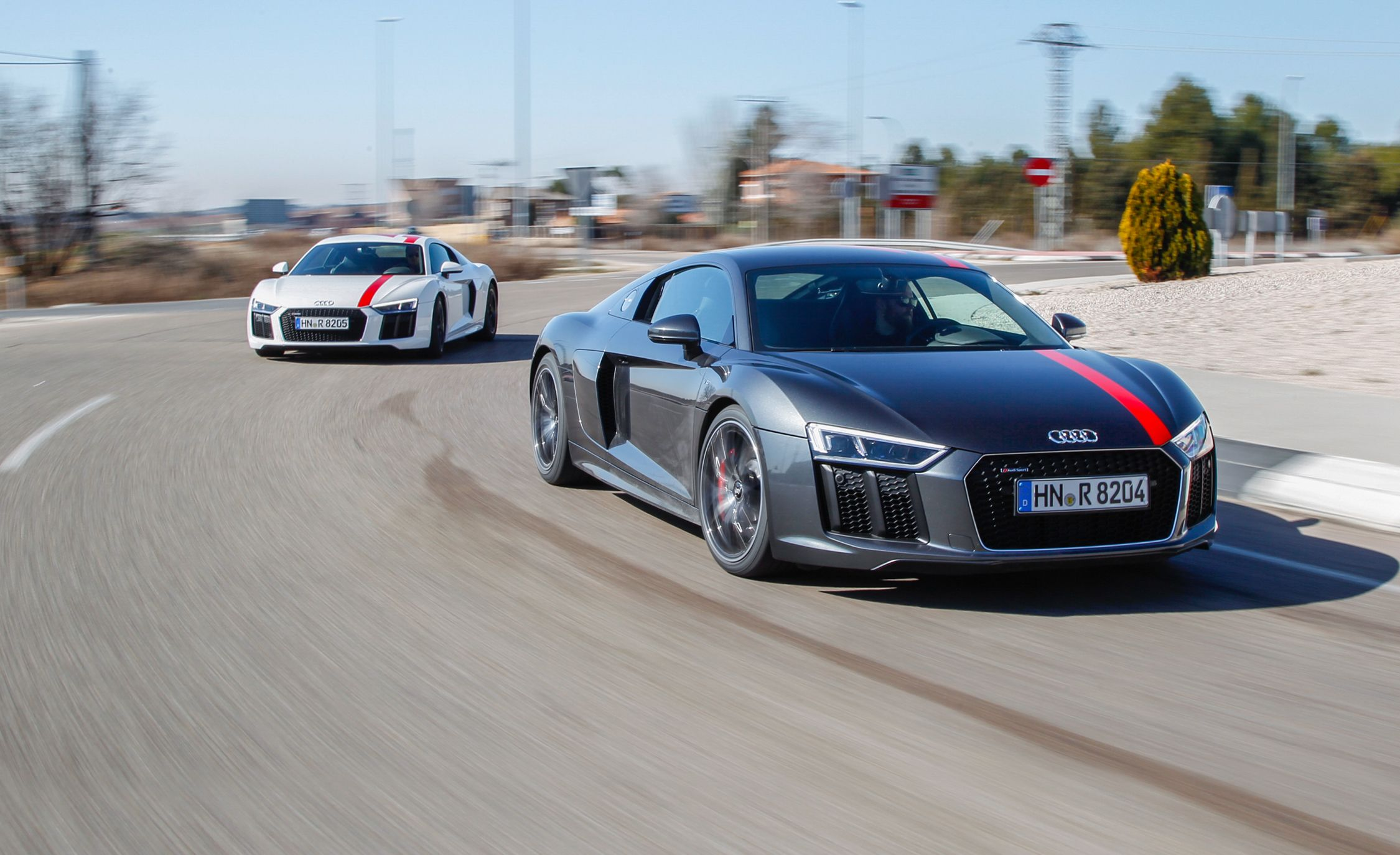 Audi R8 Price, Photos, And Specs