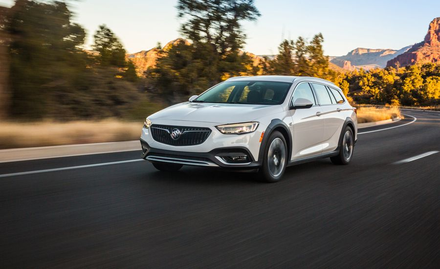 2018 buick regal tourx wagon first drive review car and driver. Black Bedroom Furniture Sets. Home Design Ideas