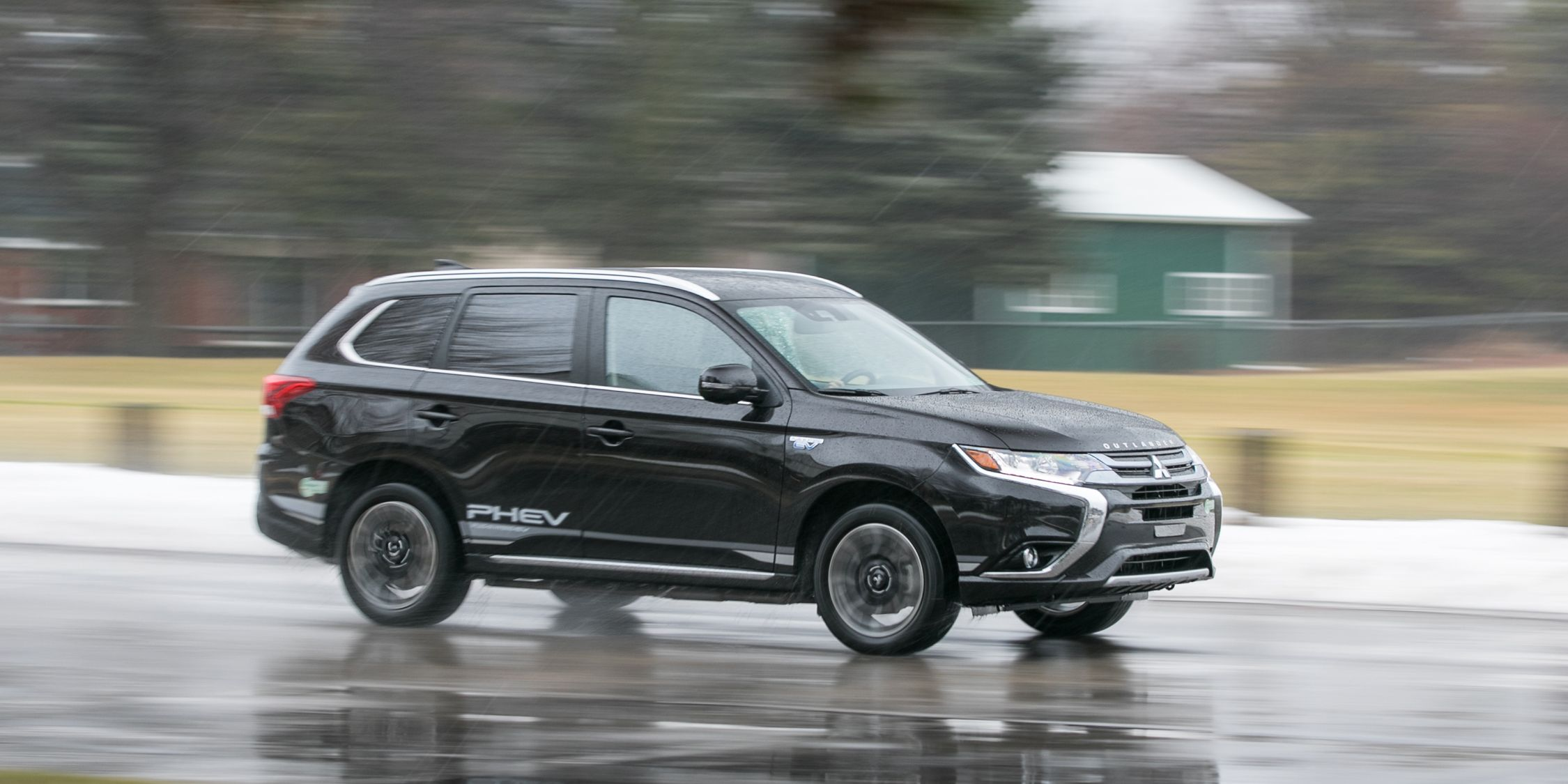 2018 Mitsubishi Outlander Phev Test Review Car And Driver