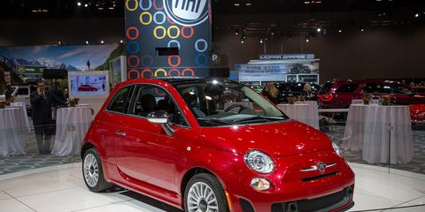 2018 Fiat 500 Gets A Turbo Engine And More Power News Car And Driver