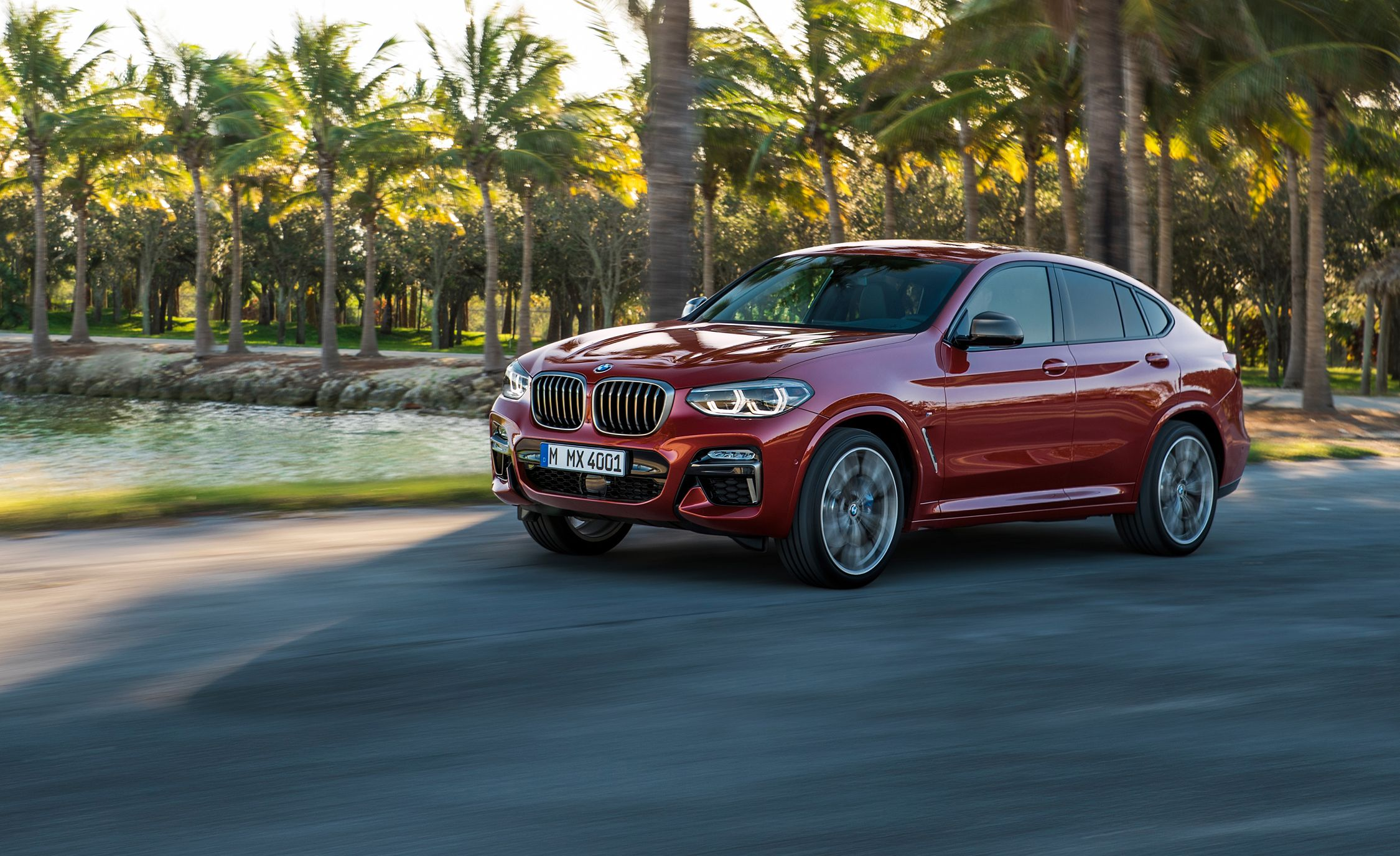 2019 BMW X4: The Fastback Compact SUV Returns