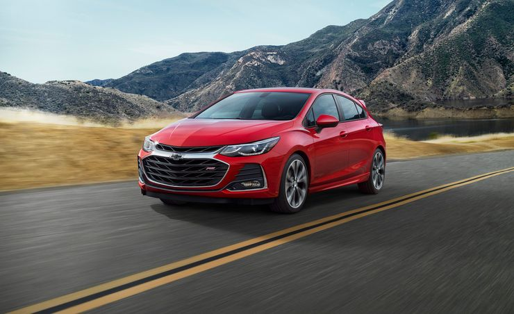 2019 Chevrolet Cruze Gets Cloud-Based Infotainment and Styling Tweaks