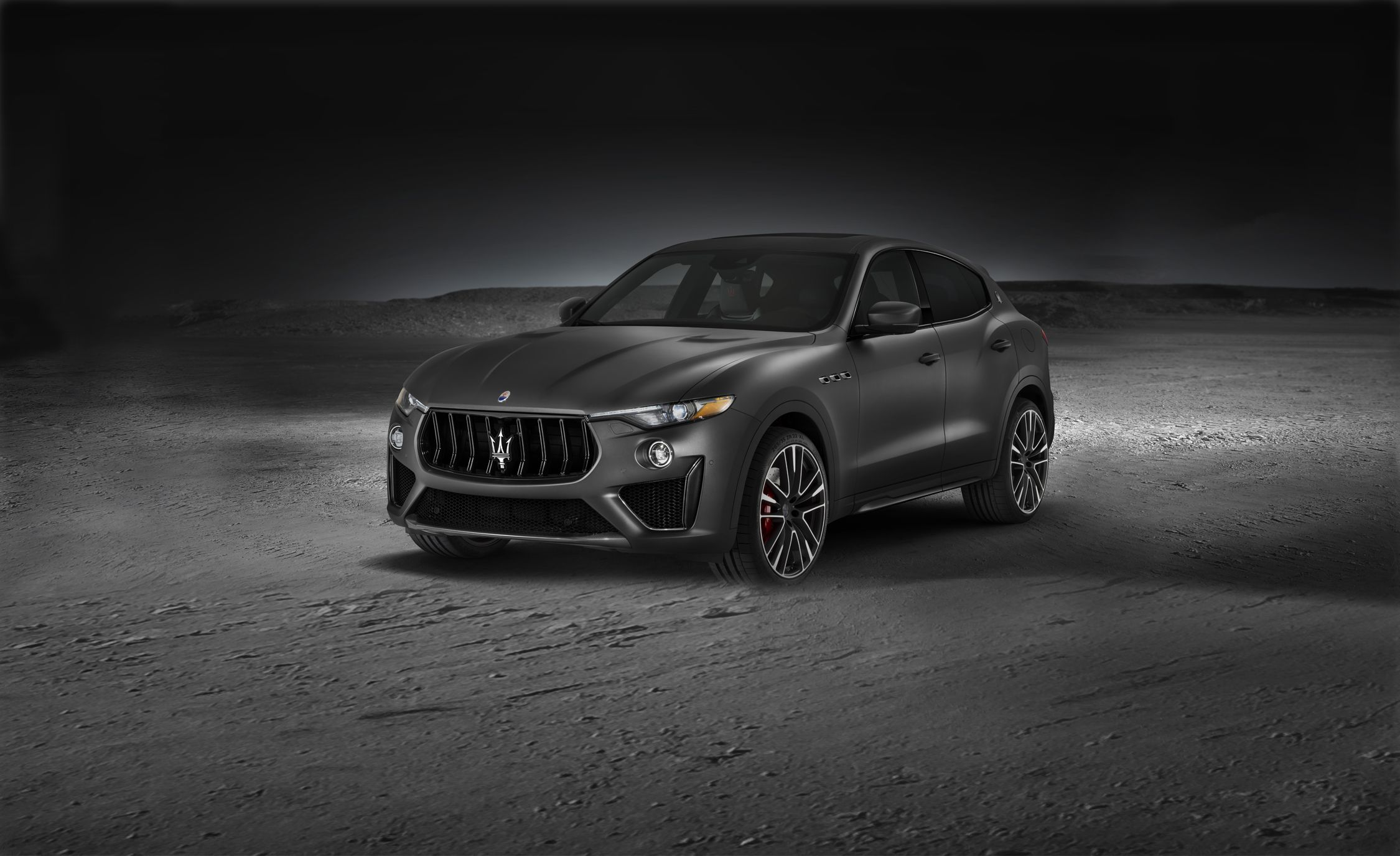 maserati levante reviews maserati levante price photos. Black Bedroom Furniture Sets. Home Design Ideas