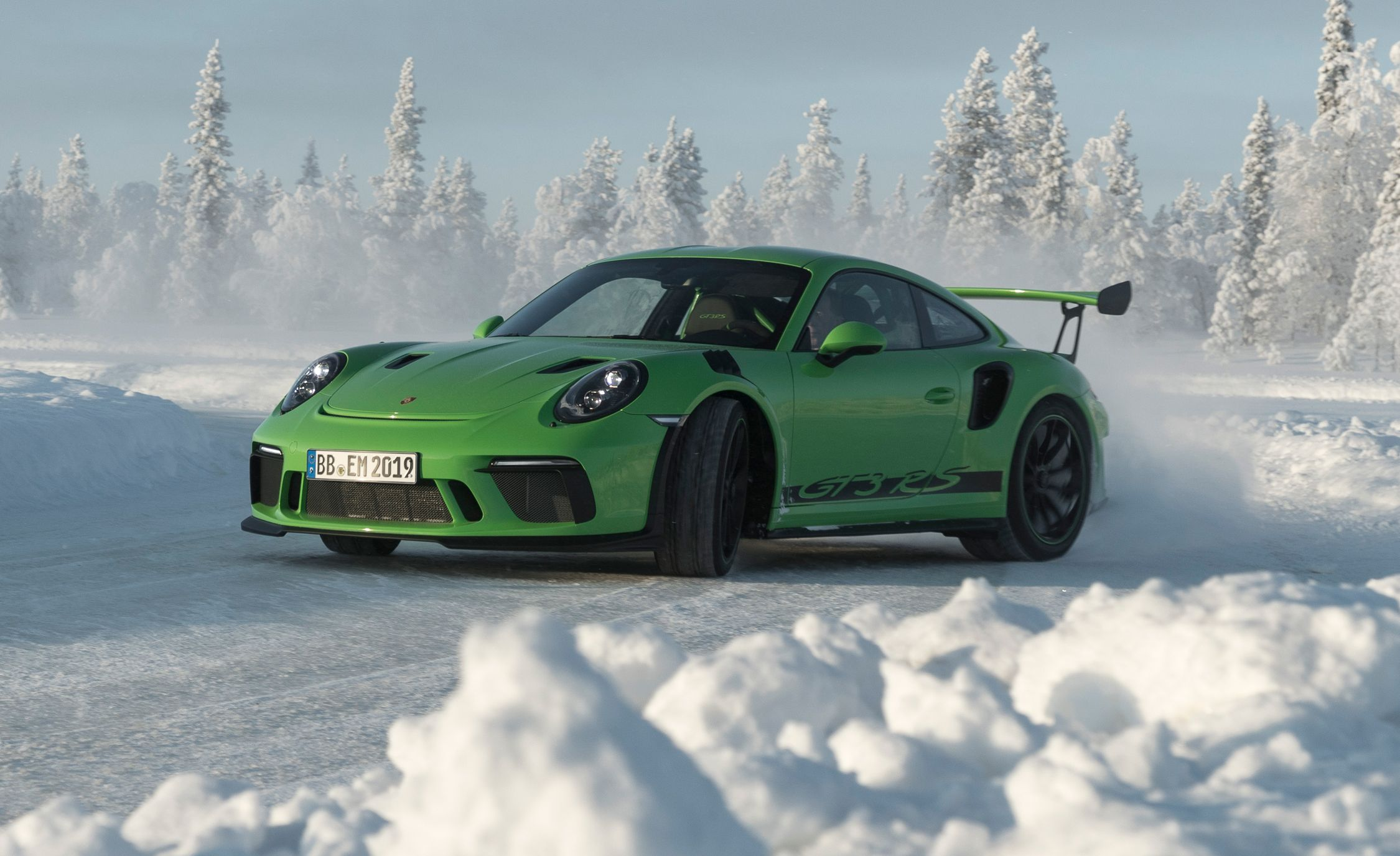 2019 Porsche 911 GT3 RS: It Looks Bad-Ass Because It Is