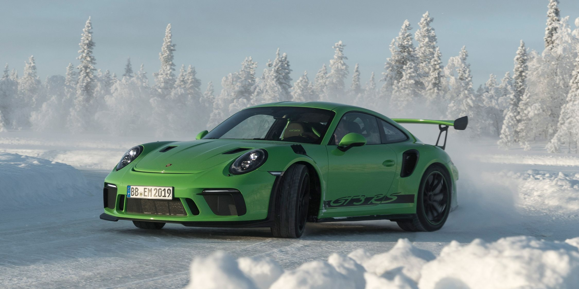 2019 Porsche 911 Gt3 Rs Debuts Looks Bad Ass Because It Is News