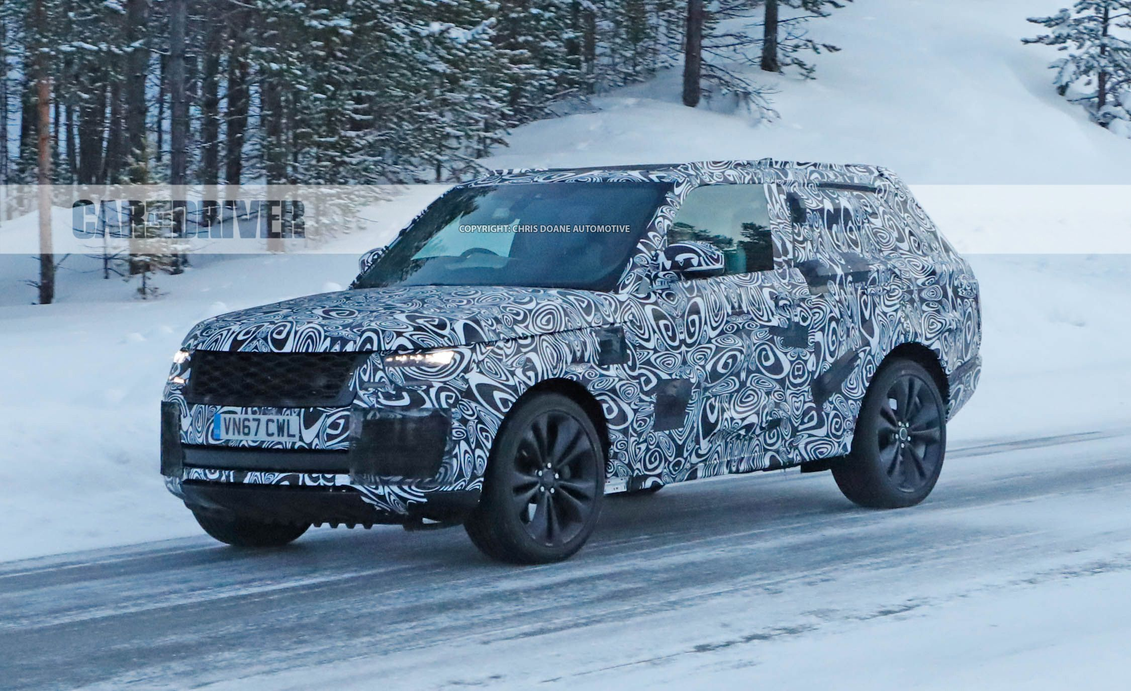 2020 range rover sv coupe spied fewer doors more exclusivity news car and driver. Black Bedroom Furniture Sets. Home Design Ideas
