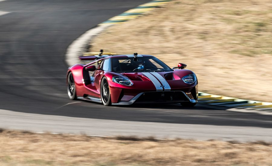 Lightning Lap 11.5: We Lap the Ford GT at VIR!