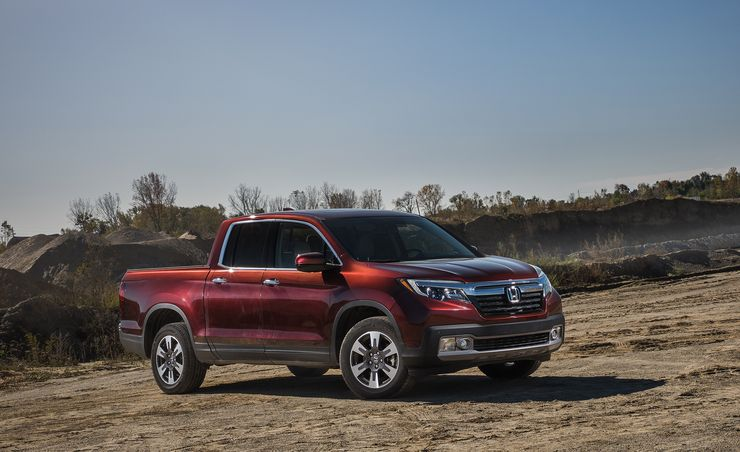 honda ridgeline reviews honda ridgeline price photos and specs car and driver. Black Bedroom Furniture Sets. Home Design Ideas