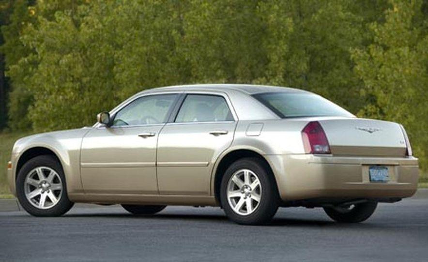 2007 Chrysler 300 - Slide 2