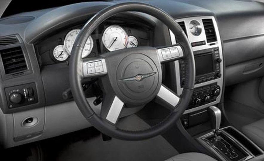 2007 Chrysler 300 - Slide 4