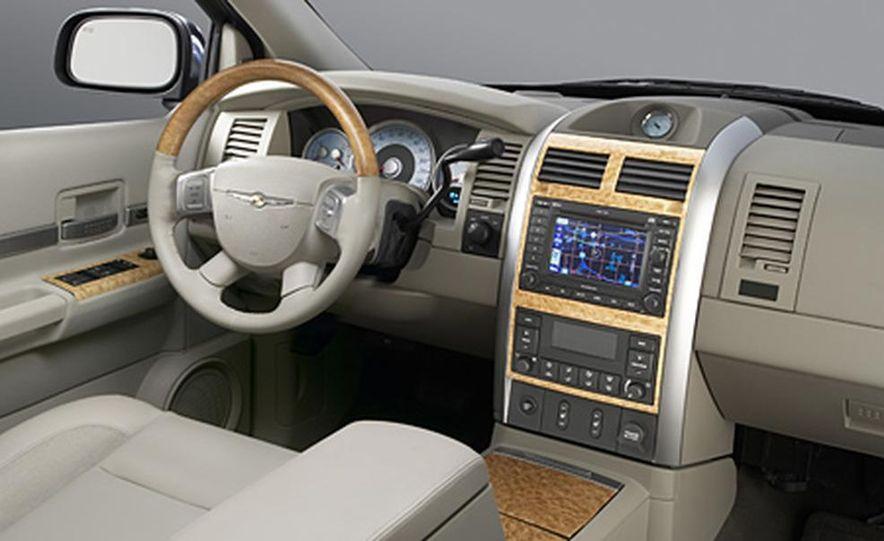 2007 Chrysler 300 - Slide 8