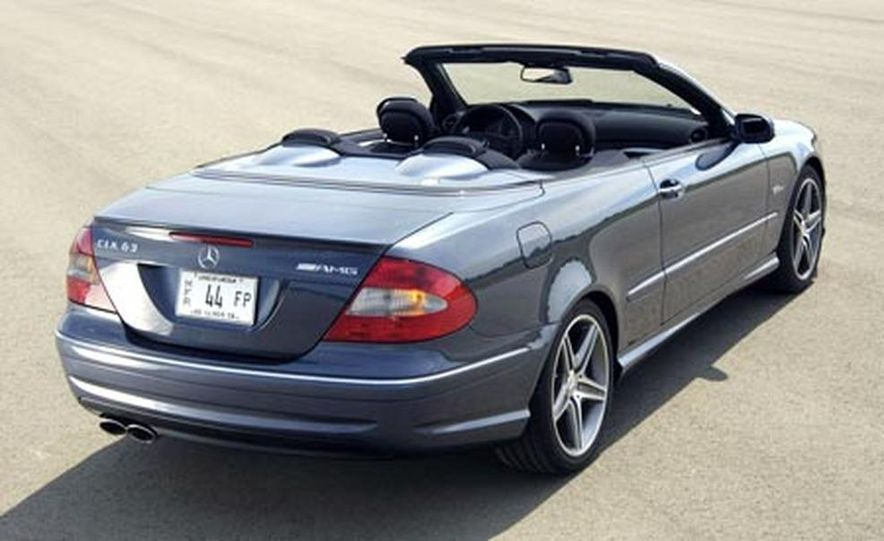 2007 Mercedes-Benz CLK63 AMG - Slide 3