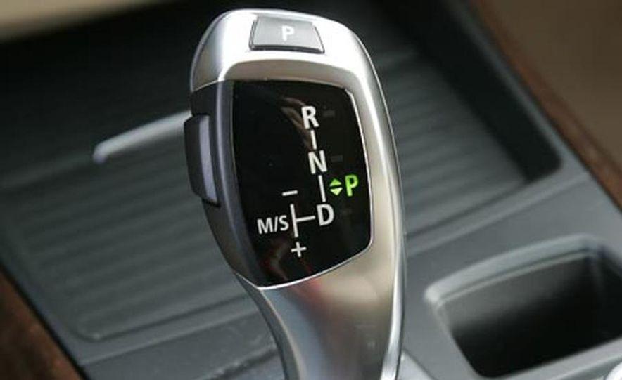 2007 BMW X5 4.8i - Slide 13
