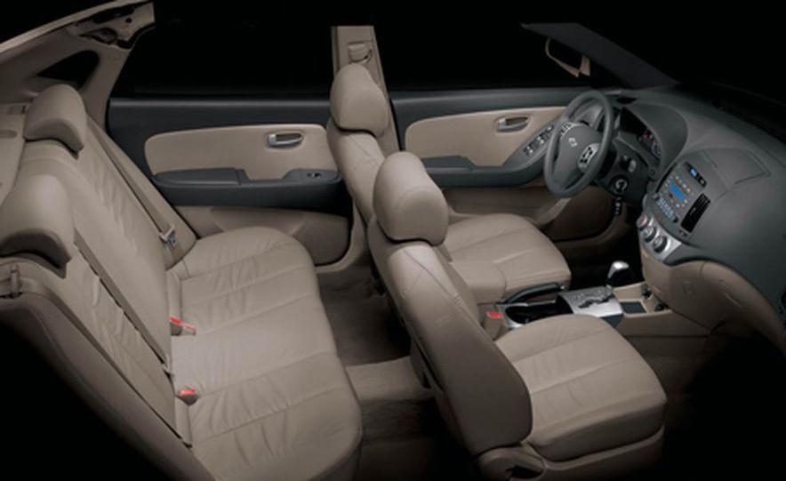 2007 Hyundai Elantra - Slide 18