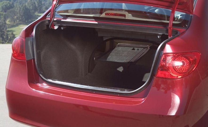 2007 Hyundai Elantra - Slide 19