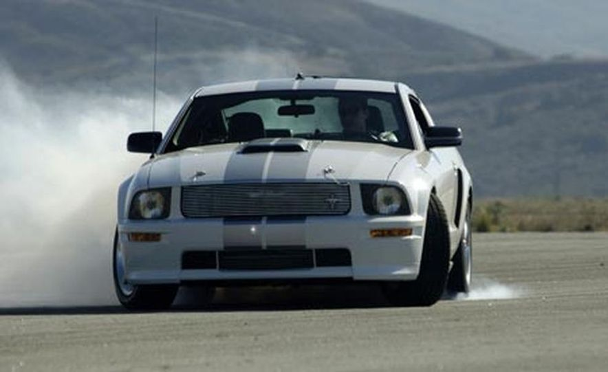 2008 Ford Mustang Shelby GT convertible - Slide 6