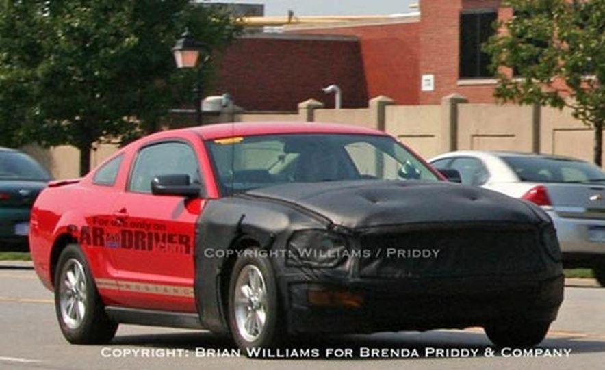 2009 Ford Mustang - Slide 1
