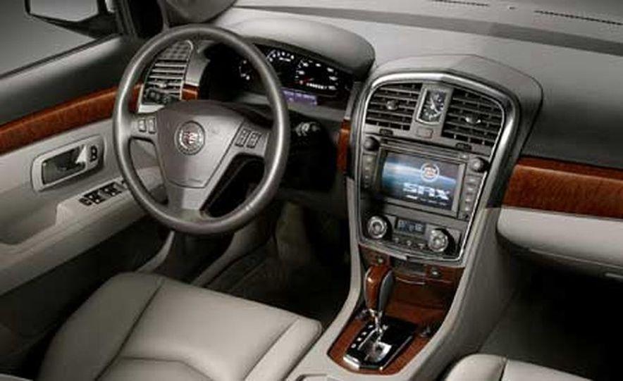 2007 Cadillac SRX - Slide 9