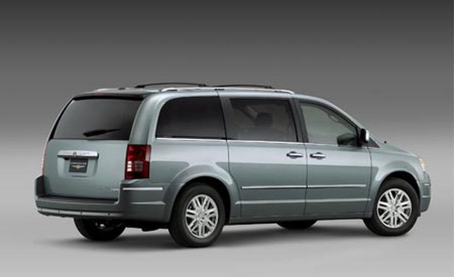 2008 Chrysler Town $amp; Country - Slide 1