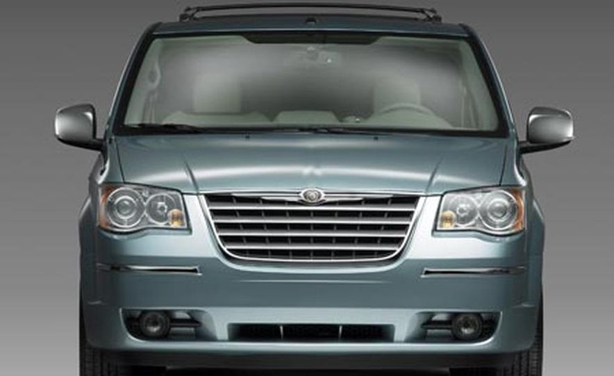 2008 Chrysler Town $amp; Country - Slide 4