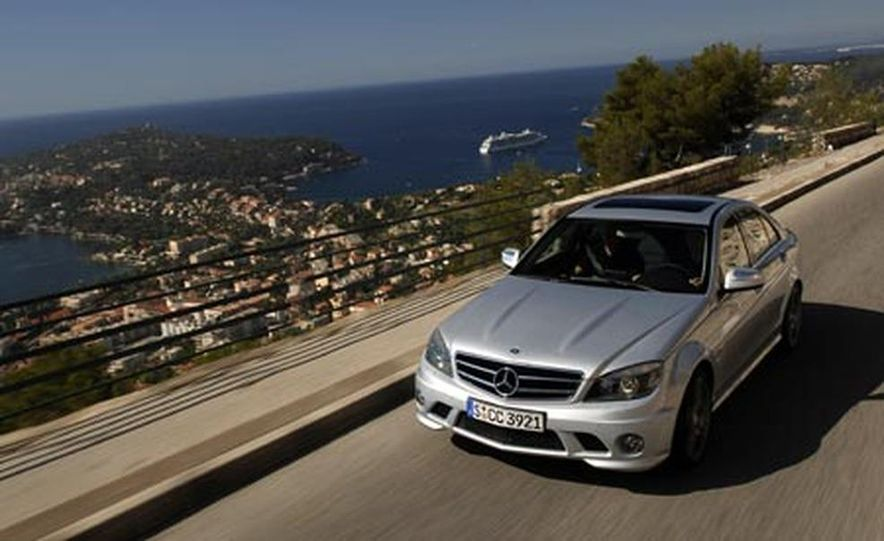 2008 Mercedes-Benz C63 AMG  - Slide 2