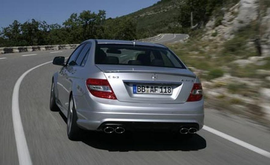 2008 Mercedes-Benz C63 AMG  - Slide 4