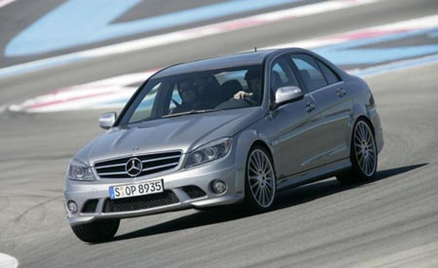 2008 Mercedes-Benz C63 AMG  - Slide 5