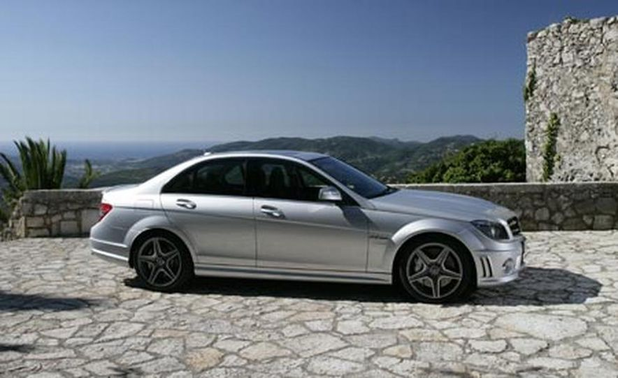 2008 Mercedes-Benz C63 AMG  - Slide 6