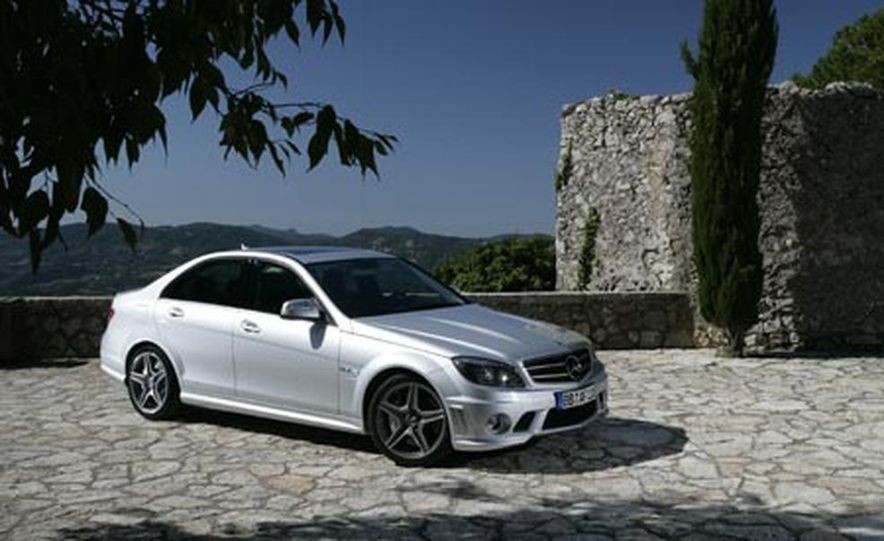 2008 Mercedes-Benz C63 AMG  - Slide 7
