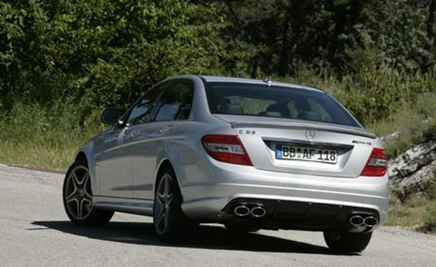 2008 Mercedes-Benz C63 AMG  - Slide 9