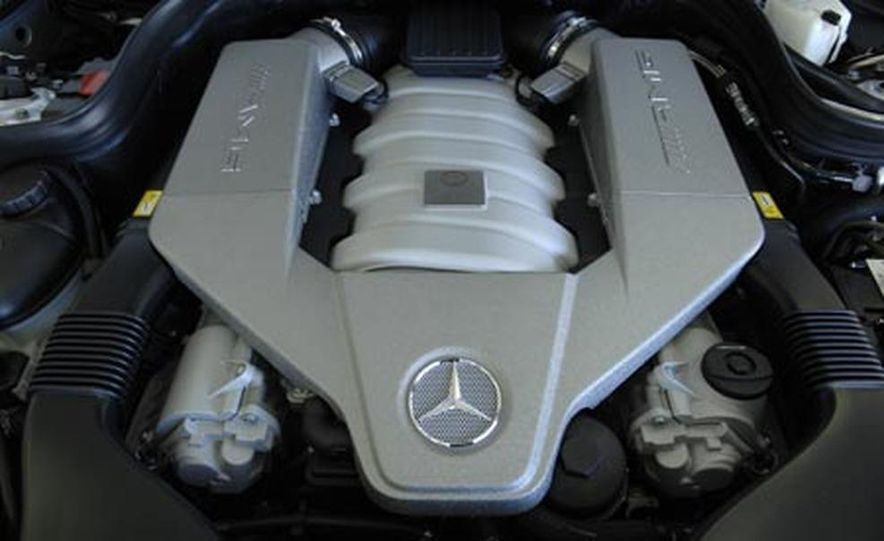 2008 Mercedes-Benz C63 AMG  - Slide 12