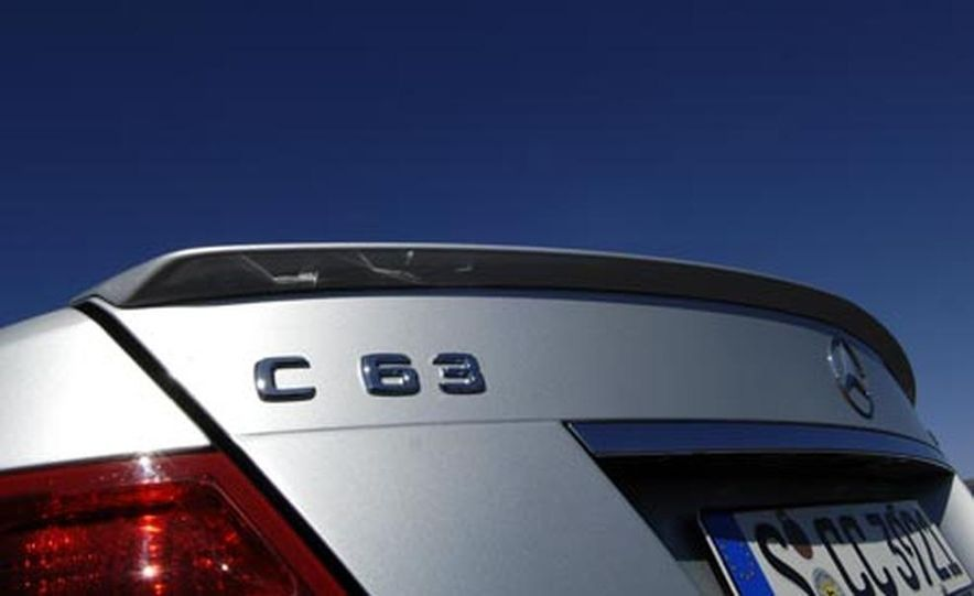 2008 Mercedes-Benz C63 AMG  - Slide 22
