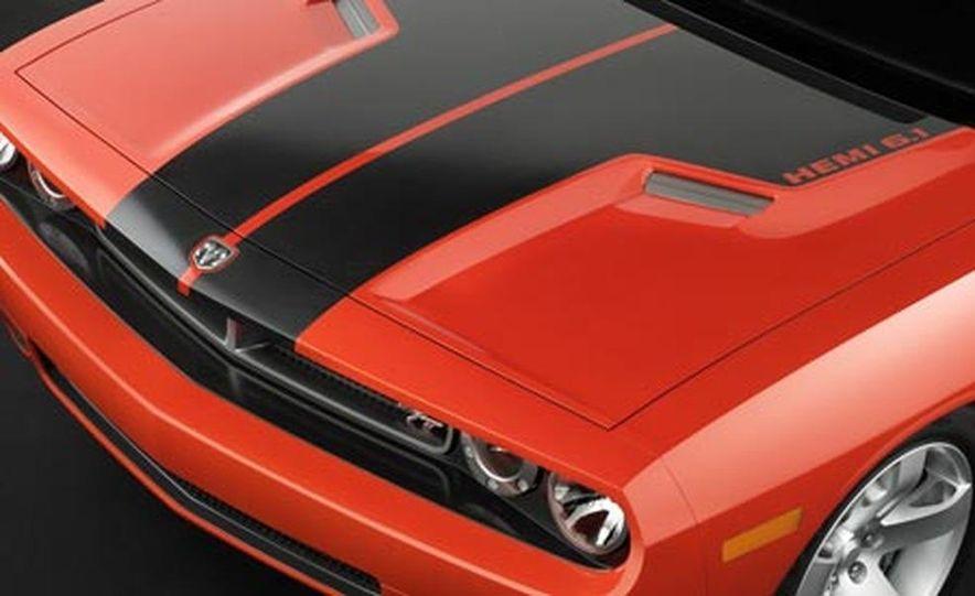 Dodge Challenger - Slide 10
