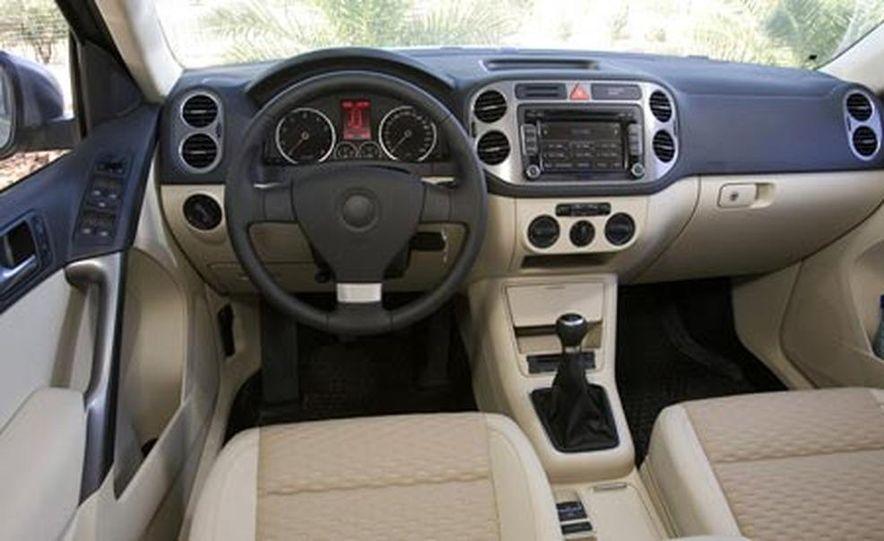 2009 Volkswagen Tiguan - Slide 25
