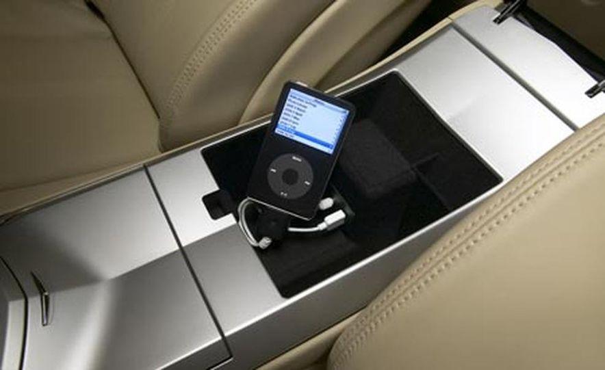 2008 Cadillac CTS - Slide 10