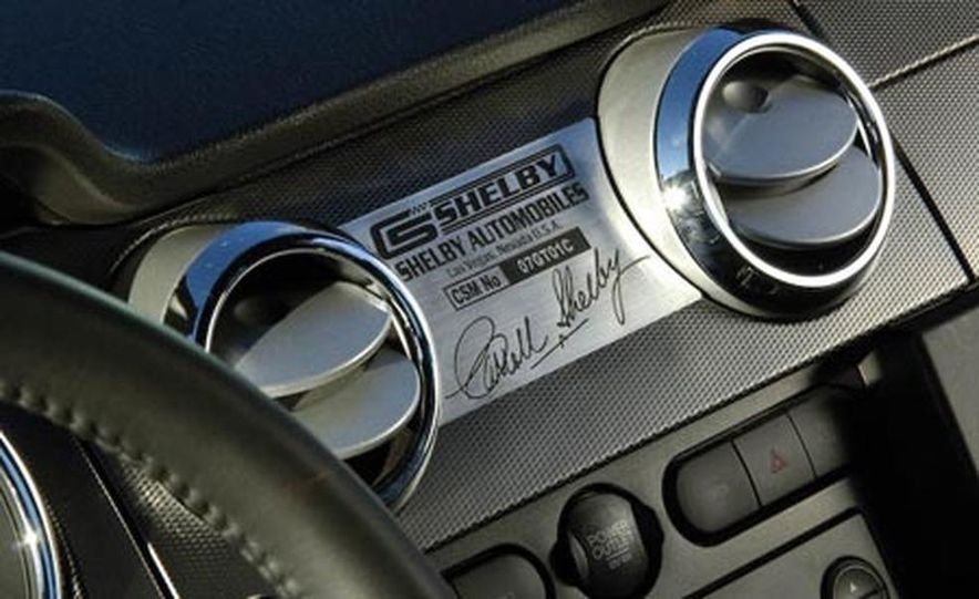 2008 Ford Mustang Shelby GT convertible - Slide 13