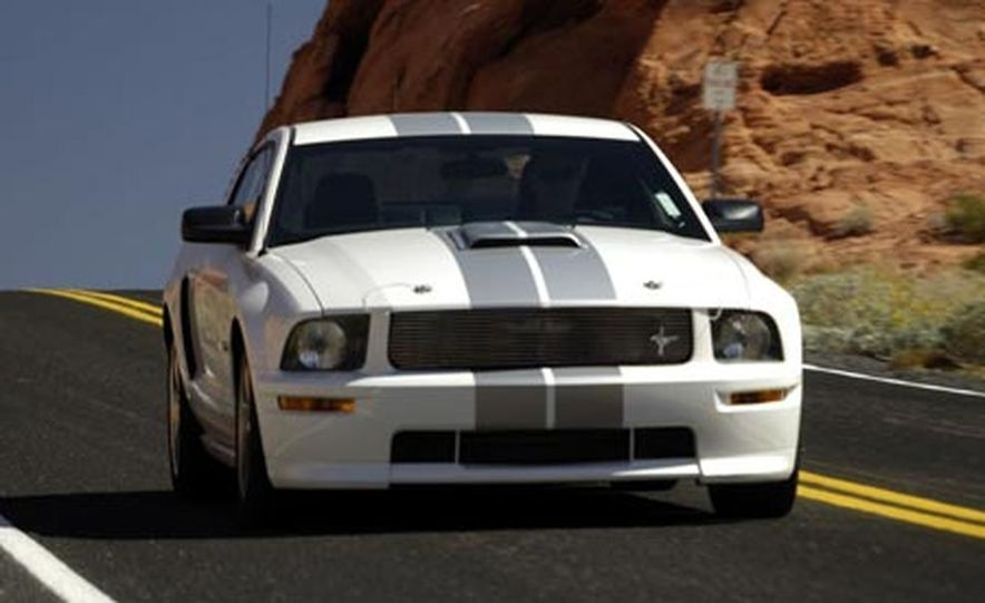2008 Ford Mustang Shelby GT convertible - Slide 11
